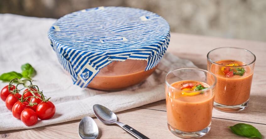 Couvrez simplement la soupe avec un emballage alimentaire à la cire d'abeille