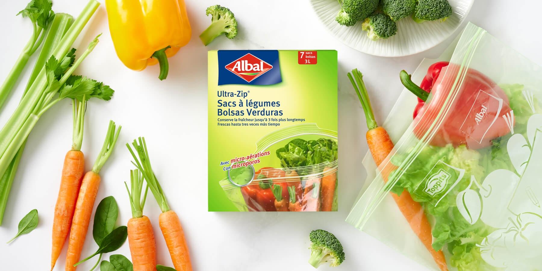 Quartiers de pomme fraîchement découpés dans un sacs Fruits et légumes Ultra-Zip® d'Albal®